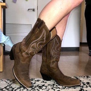 Ariat Brown Round Up D Toe Cowboy Boots
